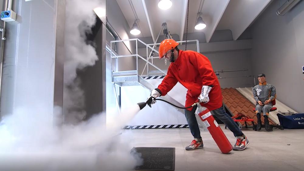 Corsi antincendio obbligatori, chi si occupa della sicurezza in azienda?